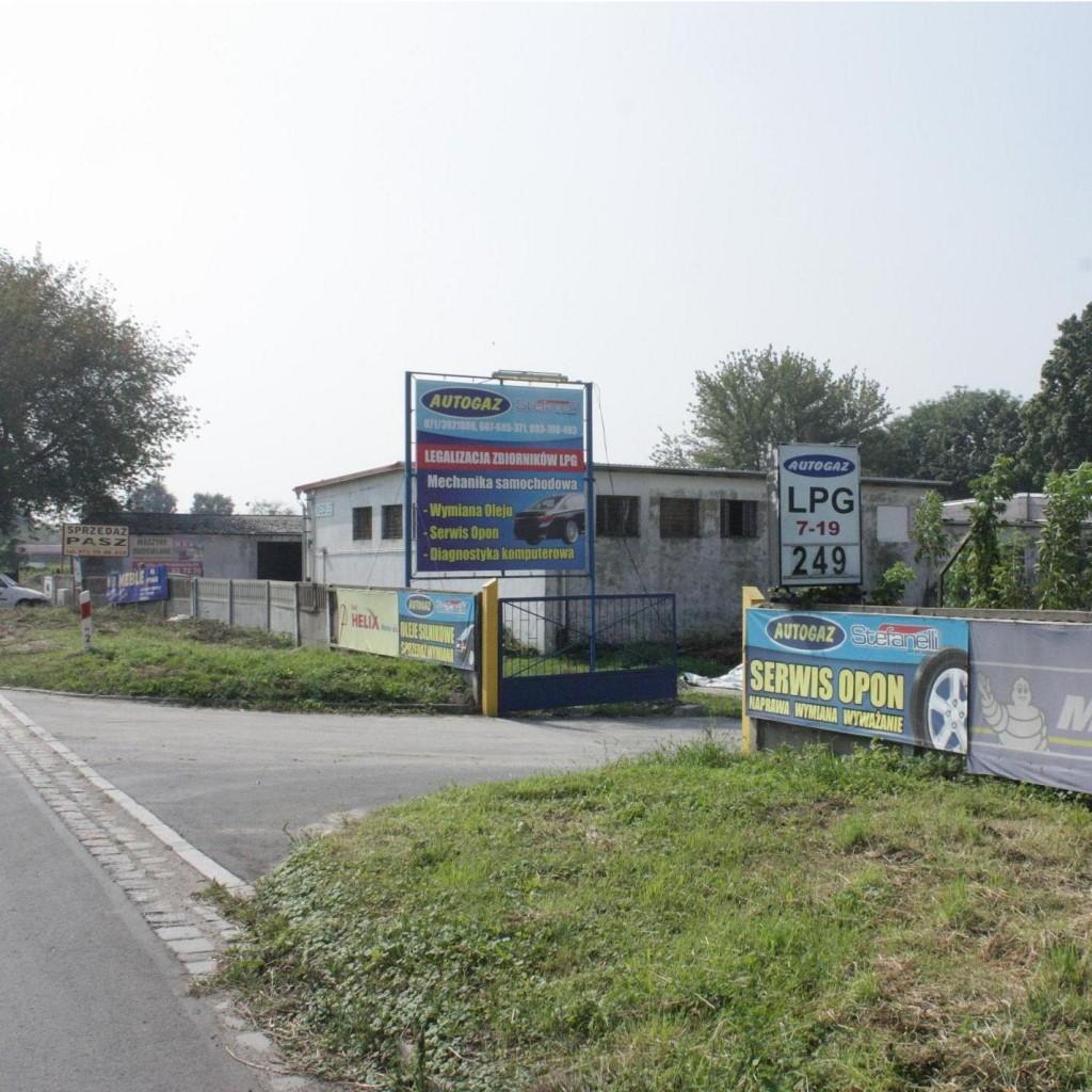 Dojazd do Autogazu Strzelin - brama wjazdowa